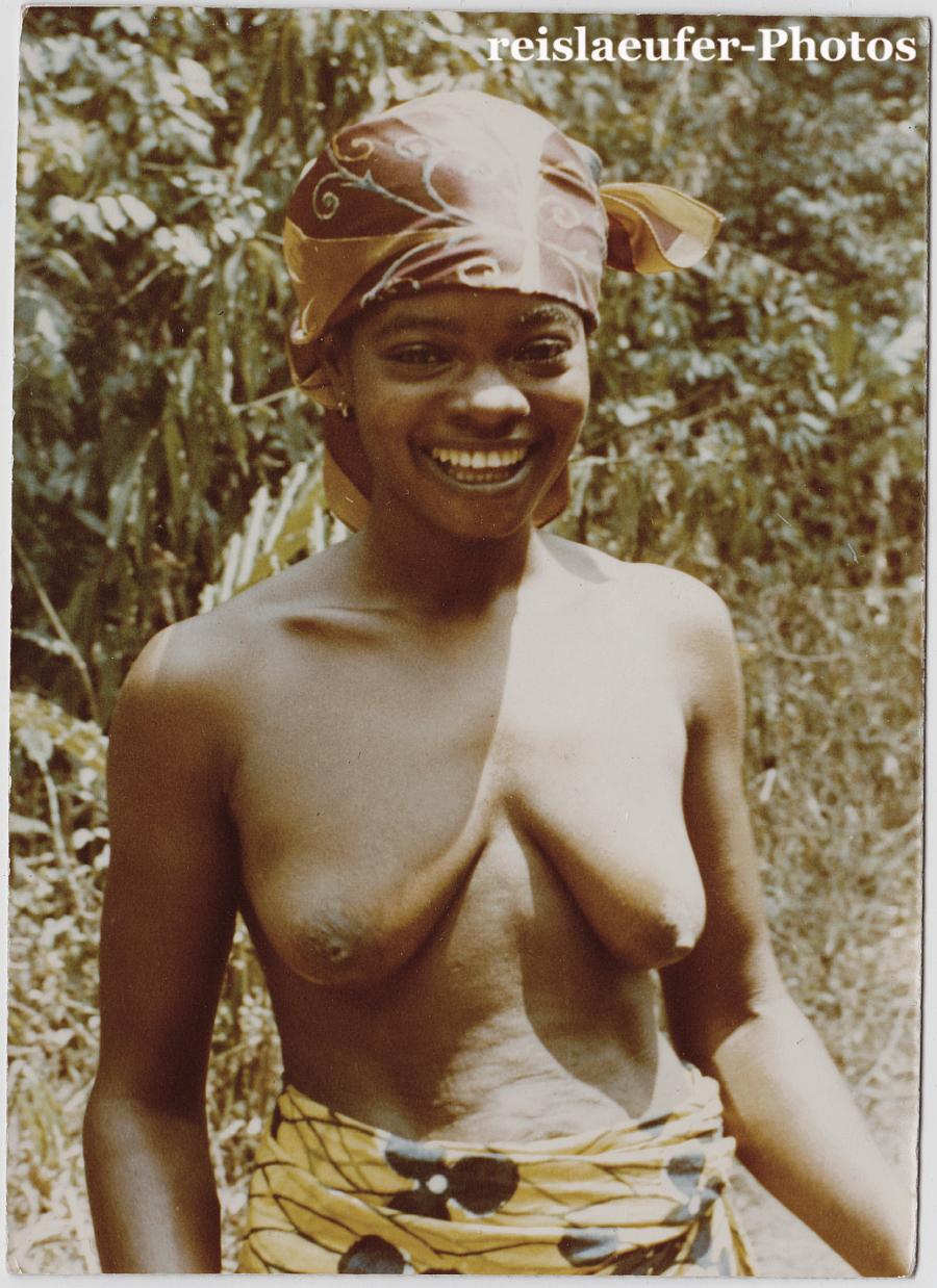 kyra black nude gifs